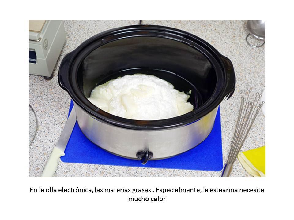 En la olla electrónica, las materias grasas . Especialmente, la estearina necesita mucho calor