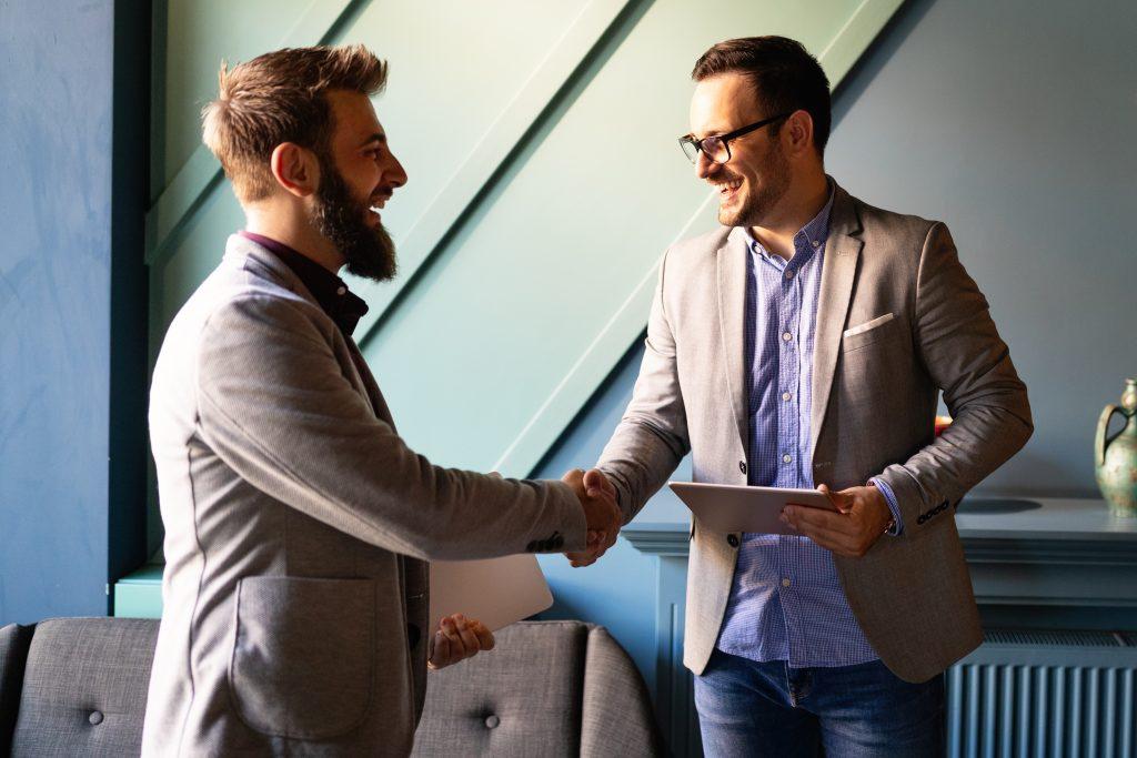 ¿Cómo influye la apariencia física en una entrevista de trabajo?